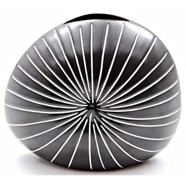 Diva Vase 4 - Interiology Design Co.